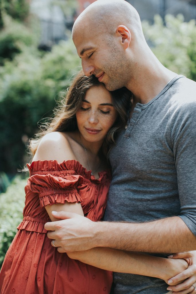 brooklyn romantic maternity photo